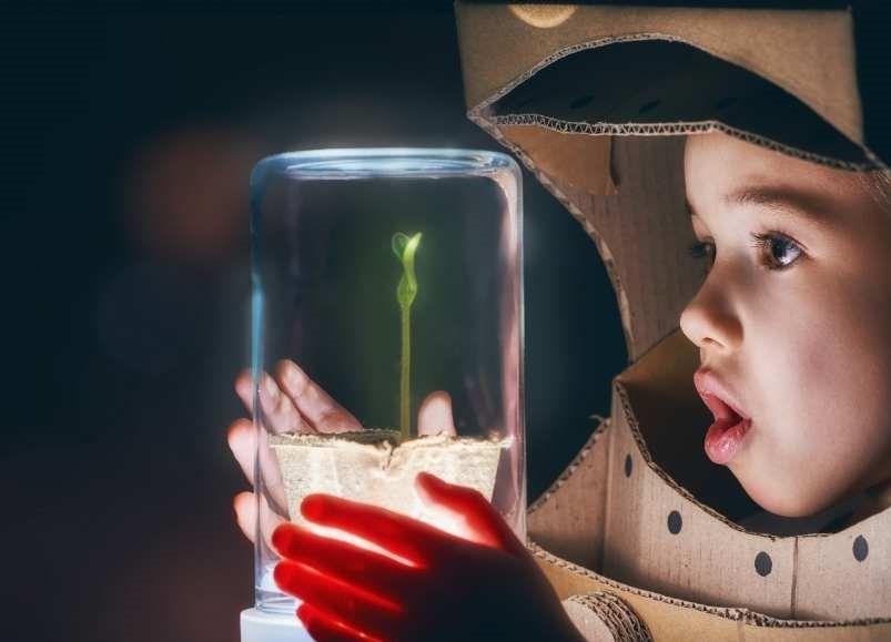 imagination de l'enfant, pensées, créativité, protection